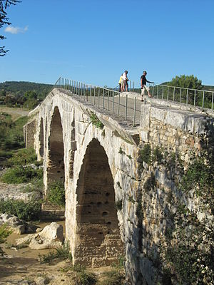 Pont Julien - Image: Pont Julien, Provence