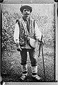 Poolse boer in traditionele kleding in de oostelijke Karpaten Reproductie van f, Bestanddeelnr 190-1009.jpg
