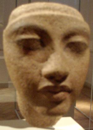 Thutmose (sculptor) - Image: Portrait Study Of Kiya Thutmose Workshop Egyptian Museum Berlin