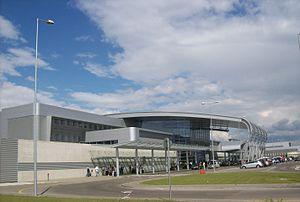 Poznań–Ławica Airport - Image: Poznań Ławica (widok na terminal)