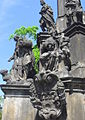 Praha, Hradčanské náměstí, sloup se sousoším -mariánský morový sloup (Aw58) SDC11851.JPG