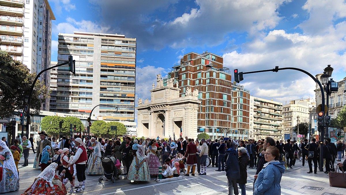 Plaza De La Puerta Del Mar Valencia Wikipedia La