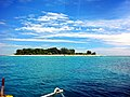 Pulau Bongkil from our boat - panoramio.jpg