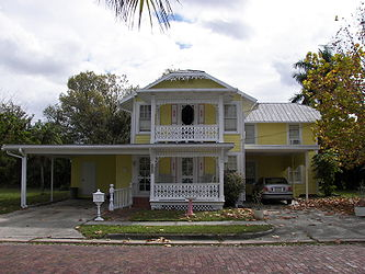Punta Gorda Residential District house 9.jpg