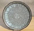 Qing coupelle guan, couverte craquelée Musée Labit D7829.jpg