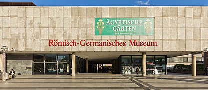 Römisch-Germanisches Museum Köln - Eingangsbereich-3524.jpg