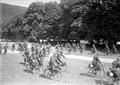 Radfahrer beim Geschicklichkeitsfahren - CH-BAR - 3240483.tif