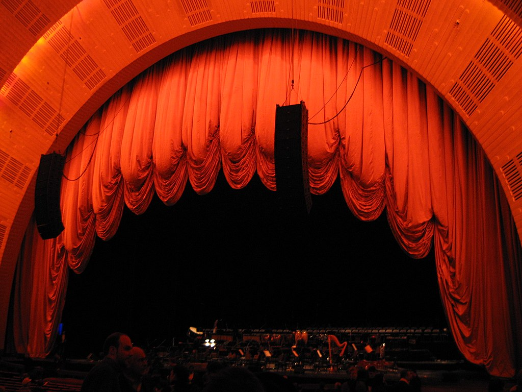 Real open stage curtains - File Radio City Music Hall Stage Curtain 2 Jpg