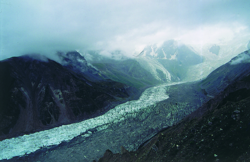Rakhiot Glacier under clouds.tiff