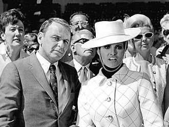 Lady in Cement - Sinatra and Welch