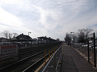 Raritan station - Raritan station from the eastern end of the High Bridge-bound platform in March 2014.