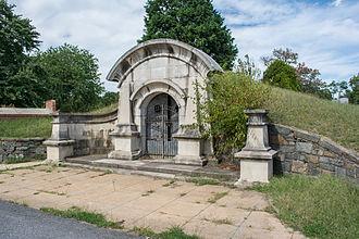 Glenwood Cemetery (Washington, D.C.) - Former receiving vault at Glenwood Cemetery.