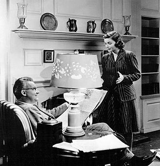 Tom Tully - Tom Tully and Dorothy McGuire appear in a scene from the 1944 short film Reward Unlimited.