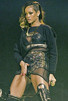 Rihanna Diamonds World Tour 2013.jpg