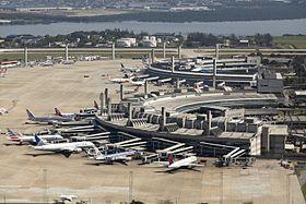 アントニオ・カルロス・ジョビン国際空港