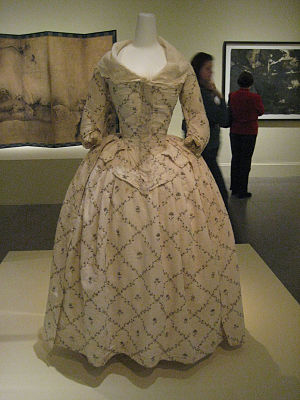 Close-bodied gown - Image: Robe à l'Anglaise