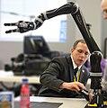 Robot-arm-lg.jpg