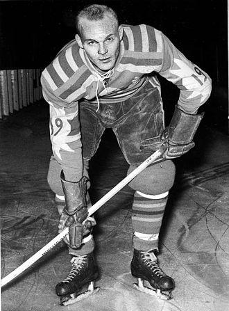Roland Stoltz (ice hockey, born 1931) - Roland Stolz in 1965.
