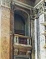 Roma, chiesa dei Santi Claudio e Andrea dei Borgognoni - Organo a canne.jpg