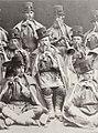 Russischer Photograph um 1893 - Bauernchor mit Hornbläsern (Zeno Fotografie).jpg