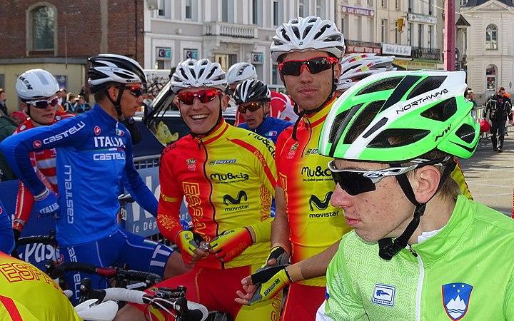 Saint-Amand-les-Eaux - Paris-Roubaix juniors, 12 avril 2015, départ (A45).JPG