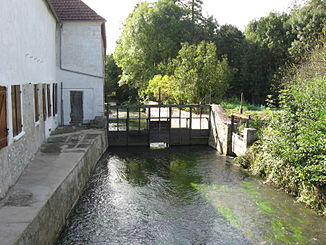 Der Fluss in Sainte-Colombe