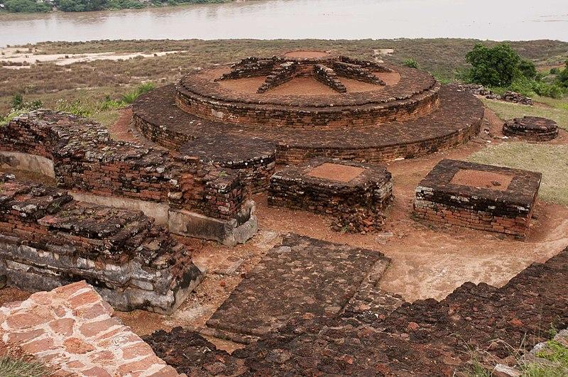 File:Salihundam Historic Buddhist Remains 4 by GPuvvada 2010.jpg