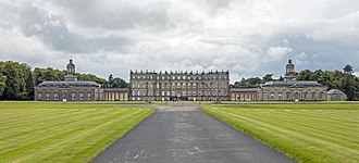 Hopetoun House - East facade of Hopetoun House and gardens
