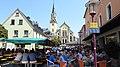Selb, WUN - Marktpl m Stadtkirche v W, Porzellanflohmarkt.jpg
