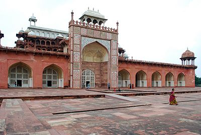 Tomb of Akbar the Great Sikandra 066.JPG