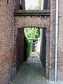 Sint Josephstraat 76 in Gouda. (Poortje).jpg