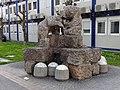 Skulptur Bären Helmut Millonig Klinik Innsbruck 01.jpg