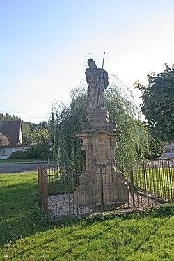 Socha sv. Františka z Pauly (Hořiněves).JPG