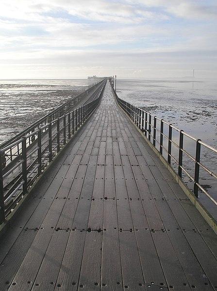 File:Southend Pier.jpg