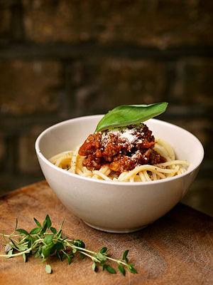 Bolognese sauce - Image: Spaghetti bolognese (hozinja)