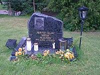 Spede-Pasanen-grave.jpg