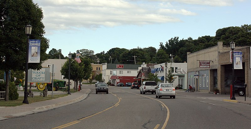Fișier:St Ignace Michigan Downtown Looking South.jpg