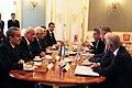 Staatssekretär Lopatka trifft den palästinensischen Präsidenten Abbas (8694829811).jpg