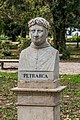 Statue of Francesco Petrarca.jpg