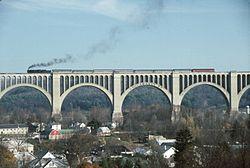 http://upload.wikimedia.org/wikipedia/commons/thumb/c/c4/Steamtown-Nicholson-Viaduct.JPG/250px-Steamtown-Nicholson-Viaduct.JPG