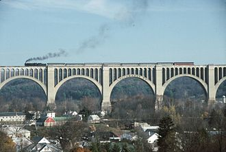 Steamtown National Historic Site - A Steamtown excursion crosses Tunkhannock Viaduct.