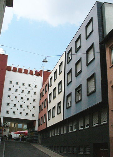Drei-Farben-Haus in Ditzingen, Germany | Wander