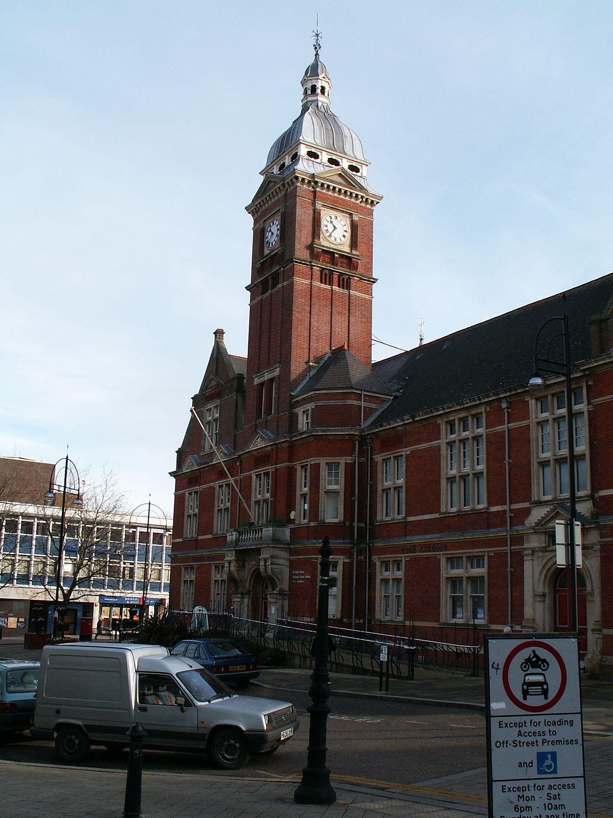 Swindon Town Hall - Wikipedia