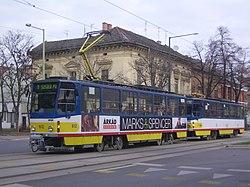 f65760095e Csatolt Tatra T6A2 és B6A2D-M pótkocsi a Boldogasszony sugárúton