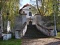Třeboradice, kostel Nanebevzetí Panny Marie, vstupní brána.jpg