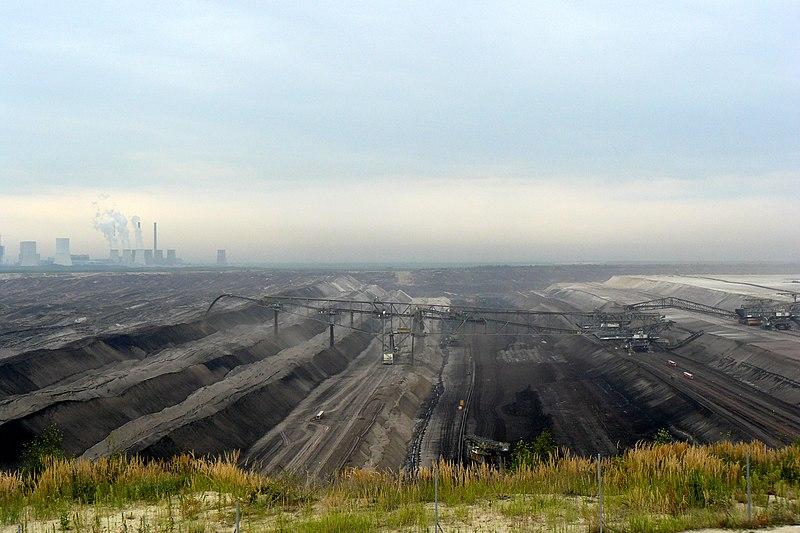 File:Tagebau Nochten, KW Boxberg.jpg