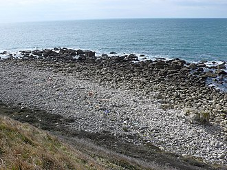 Tar Rocks - Image: Tar Rocks, Portland at low tide geograph.org.uk 736987