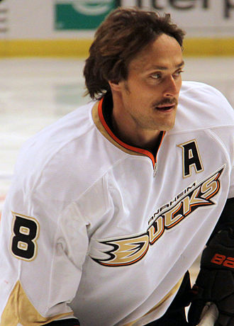 Teemu Selänne - Close-up view of Selänne as he skates during pre-game warmup