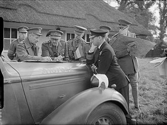 Bernard Montgomery - Senior officers discuss operations during Exercise 'Bumper', 2 October 1941. On the left the Chief Umpire, Lieutenant-General Bernard Montgomery, talks to the C-in-C Home Forces, General Sir Alan Brooke.