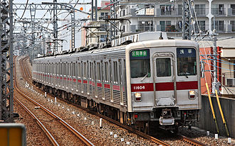 Tobu 10000 series - 10000 series 6-car set 11606 in June 2008